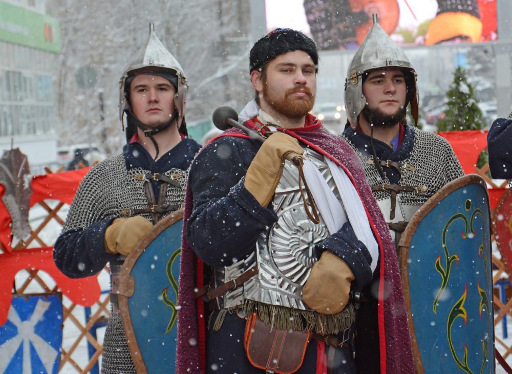 В День народного единства военно-исторические клубы Твери пригласили всех в «Стрелецкую слободу» и созвали «ополчение»